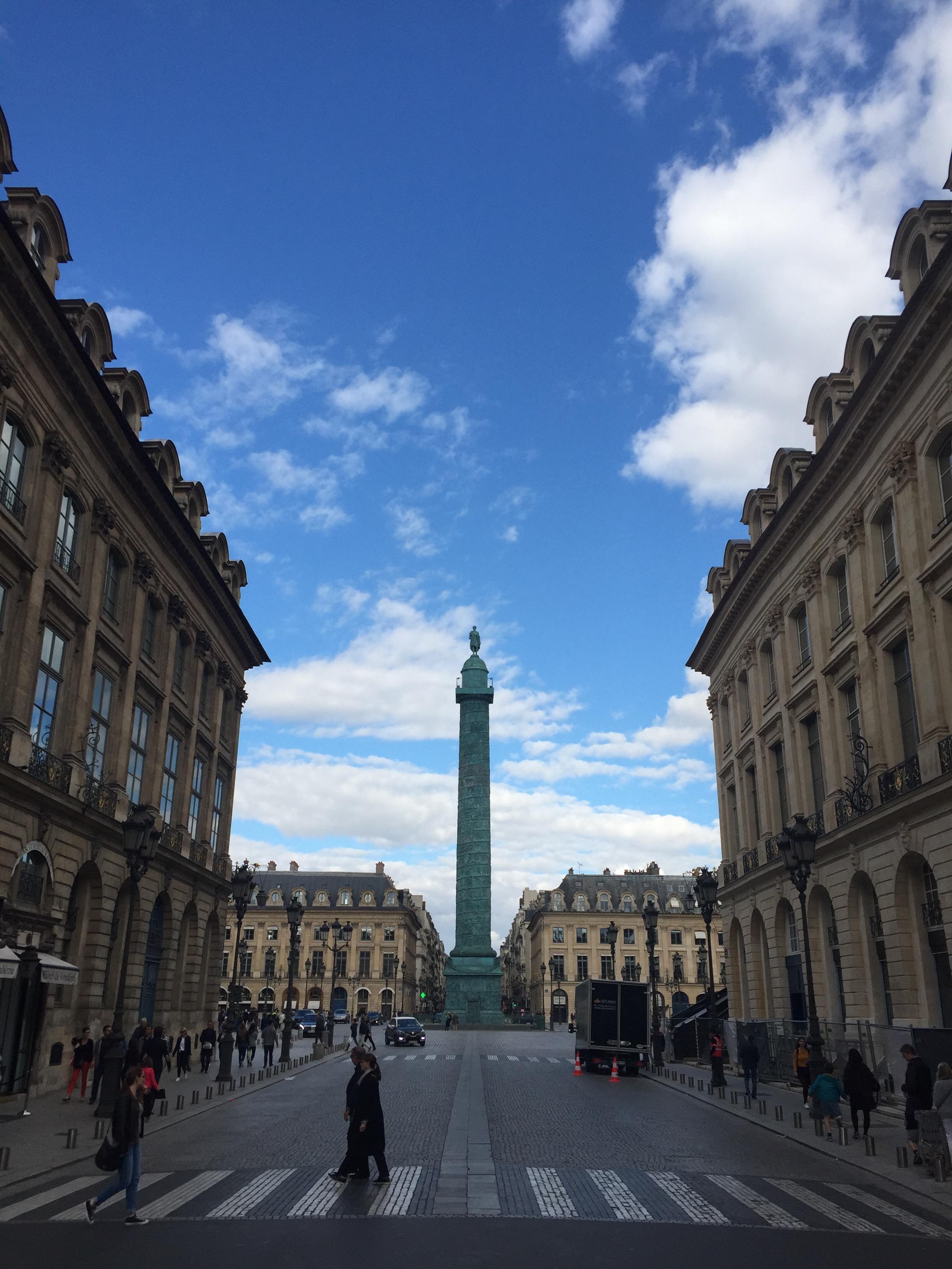MON MODE, Fashion Blogger, Paris, Things To Do, Place Vendome, Must Visit Spots in Paris