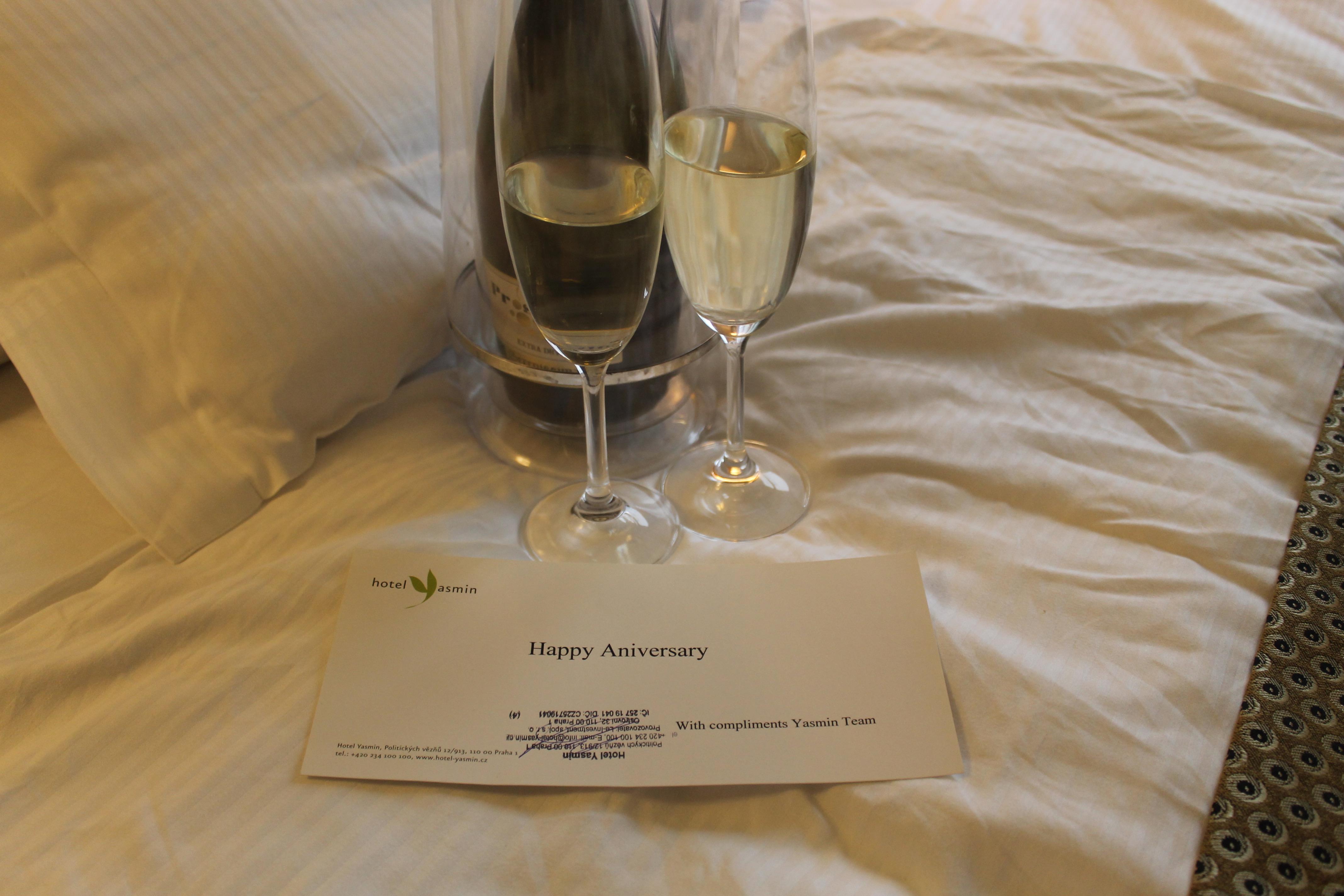 MON MODE | Travel Blogger | Yasmine Hotel Prague | Review | 4 Star Hotel | Czech Republic | Yasmin Hotel Prague Review