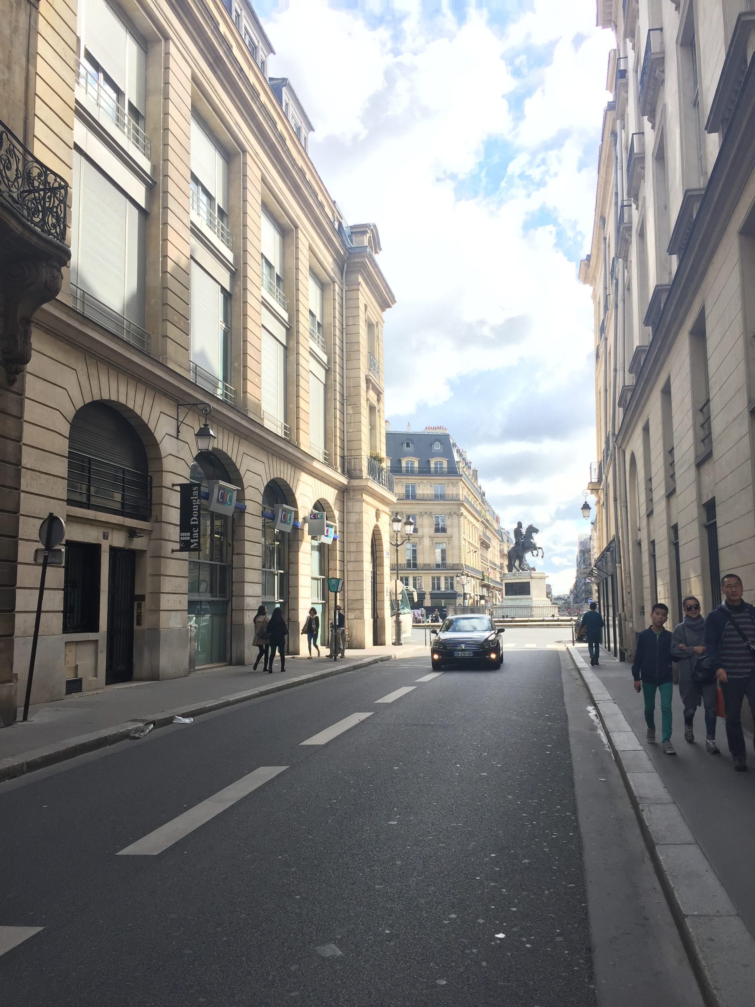 MON MODE, Fashion Blogger, Paris, Things To Do, Marais, Must Visit Spots in Paris