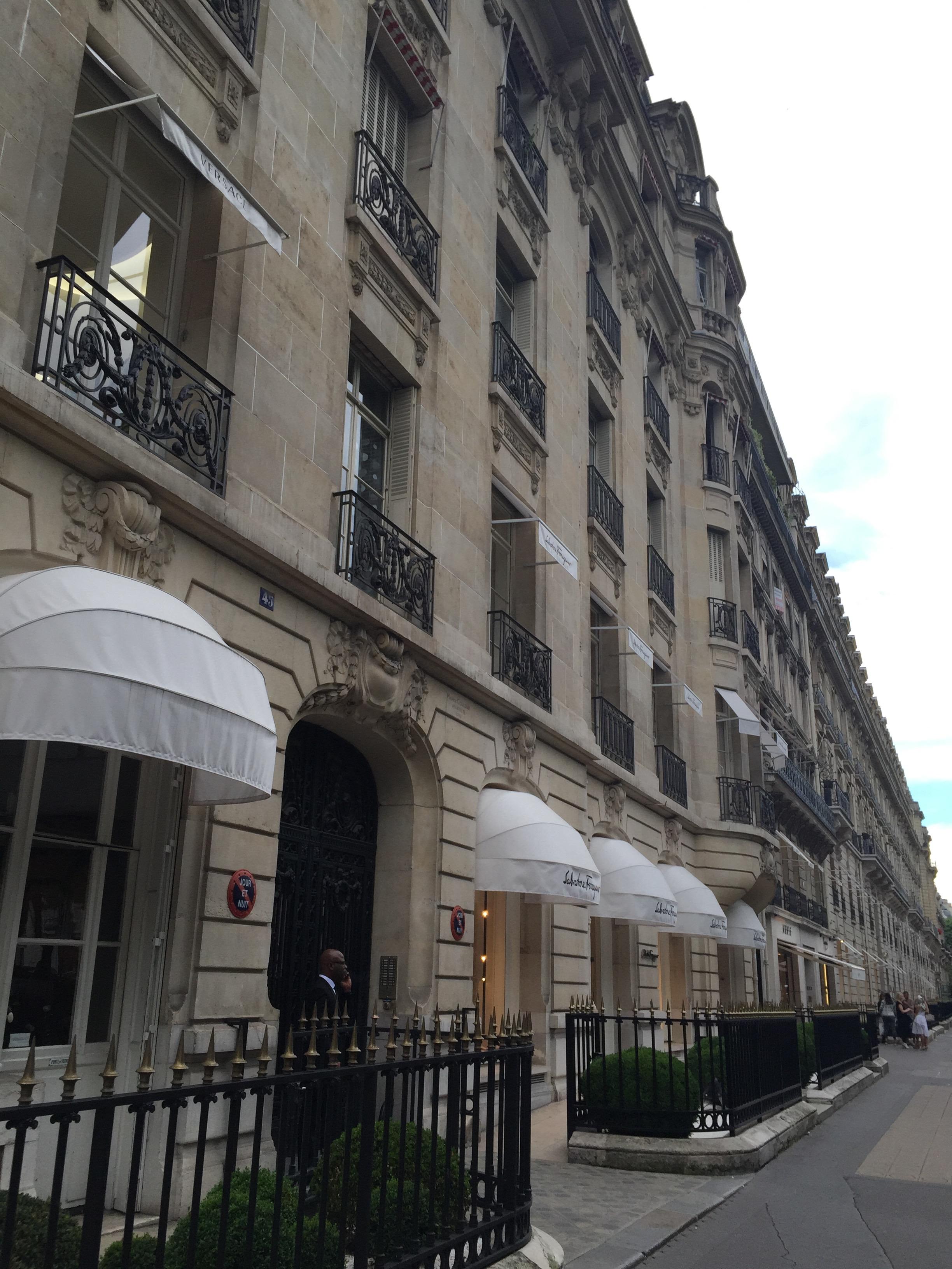 MON MODE, Fashion Blogger, Paris, Things To Do, Montagine, Must Visit Spots in Paris