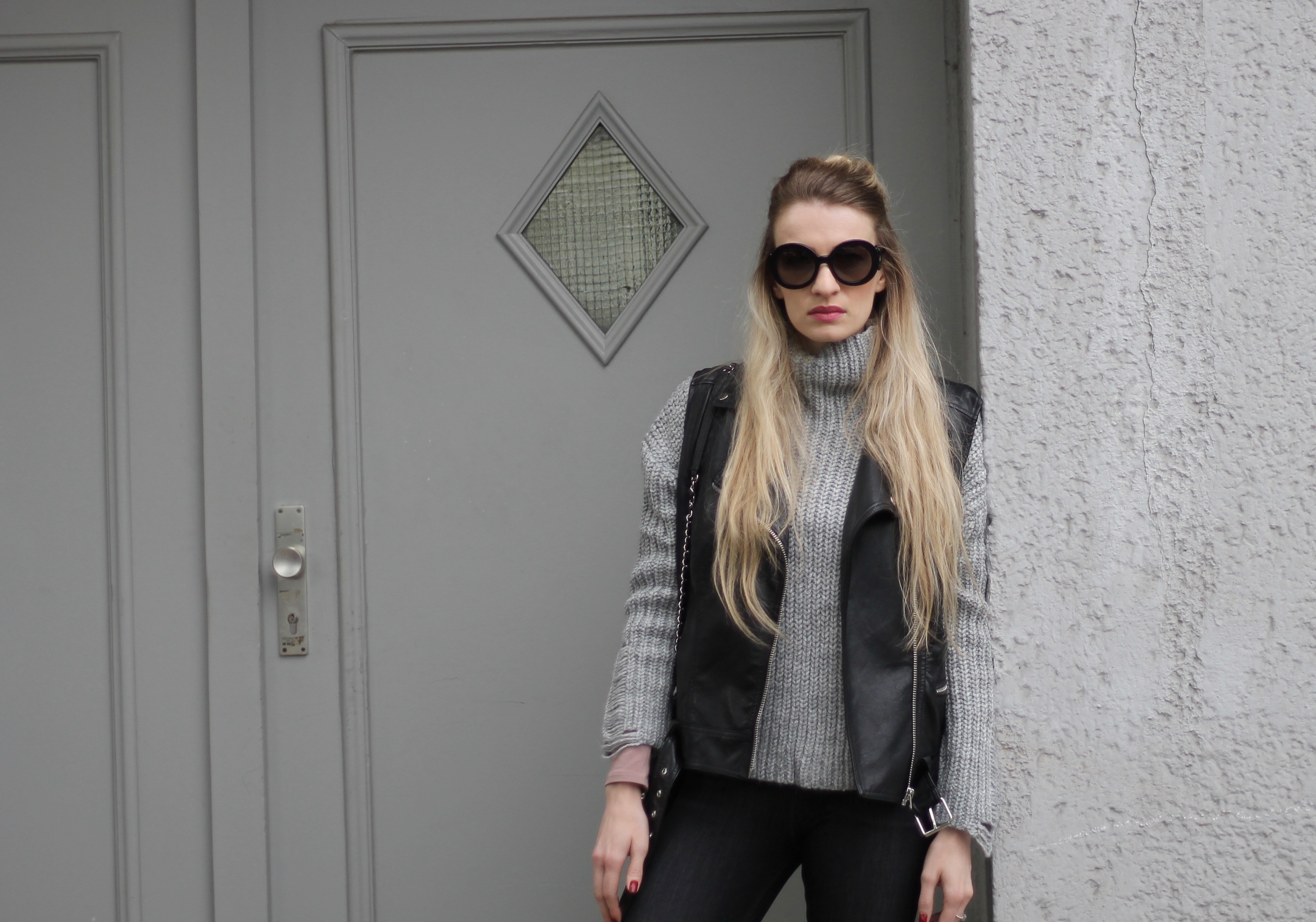 Mon Mode, Fashionblog, Berlin, Knitwear, Chunky Knits, Vest, Biker Vest, Leather Vest, Celine Sunglasses, Berlin Fashion Blog, Canadian Fashion Blog