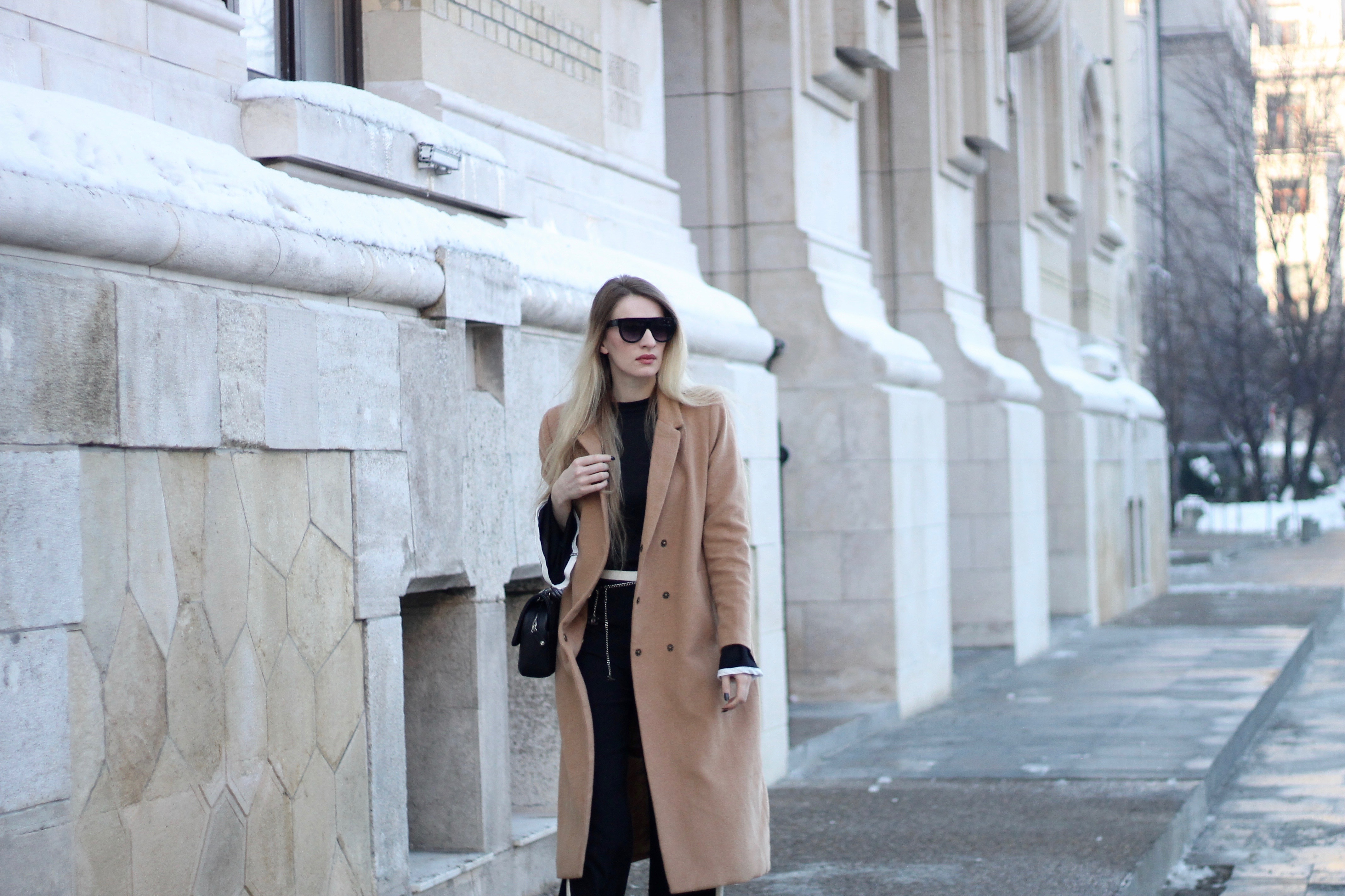 MON MODE | Fashion Blogger | Fashion Trends | Classic Chanel Outfit | Classic Flap Bag | Travel Blogger | Bucharest