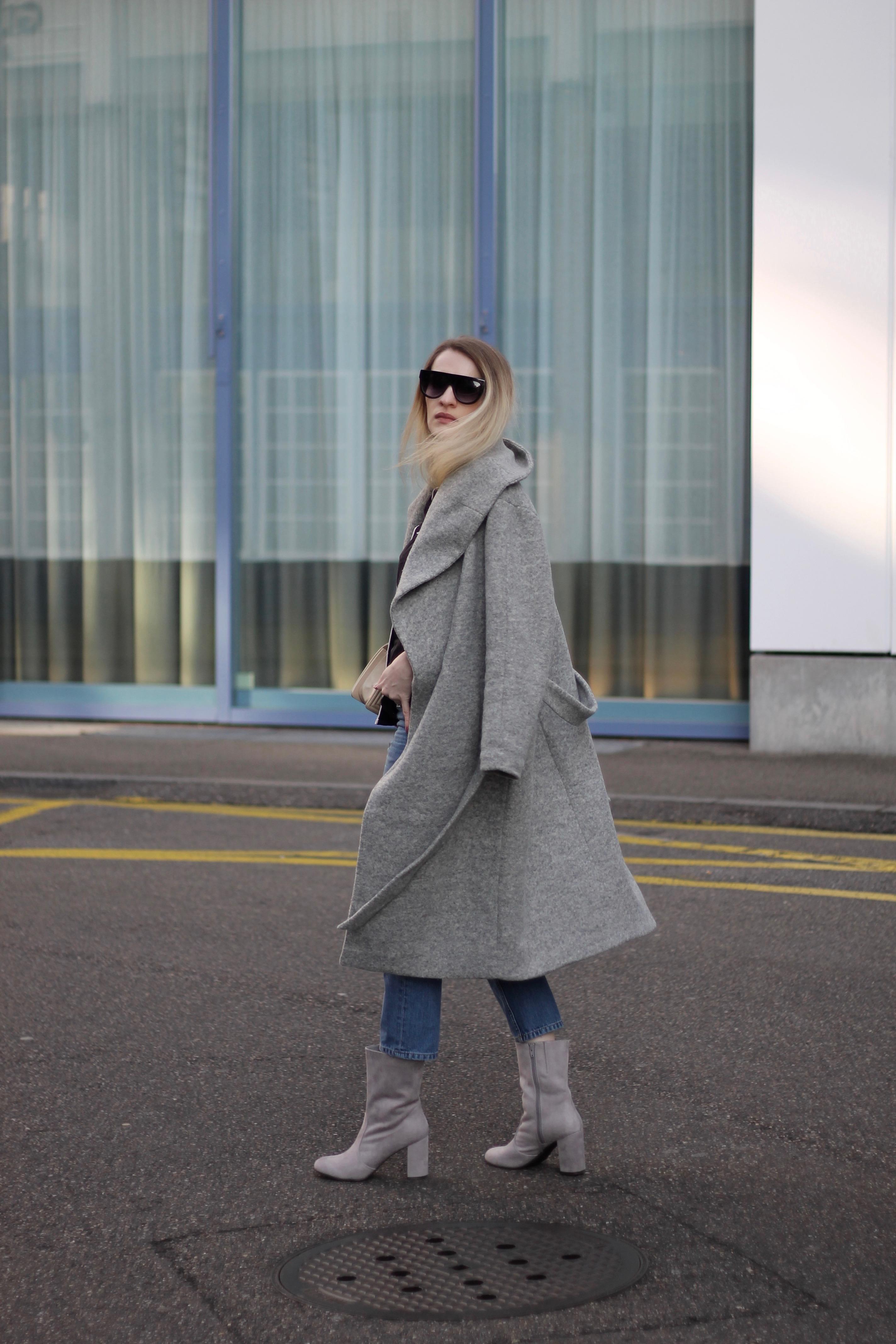 MON MODE   Fashion Blogger   Berlin Street Style   Fashion Trends   Berlin Fashion  Brussels  Chanel Boy  PJ Bed Sheets