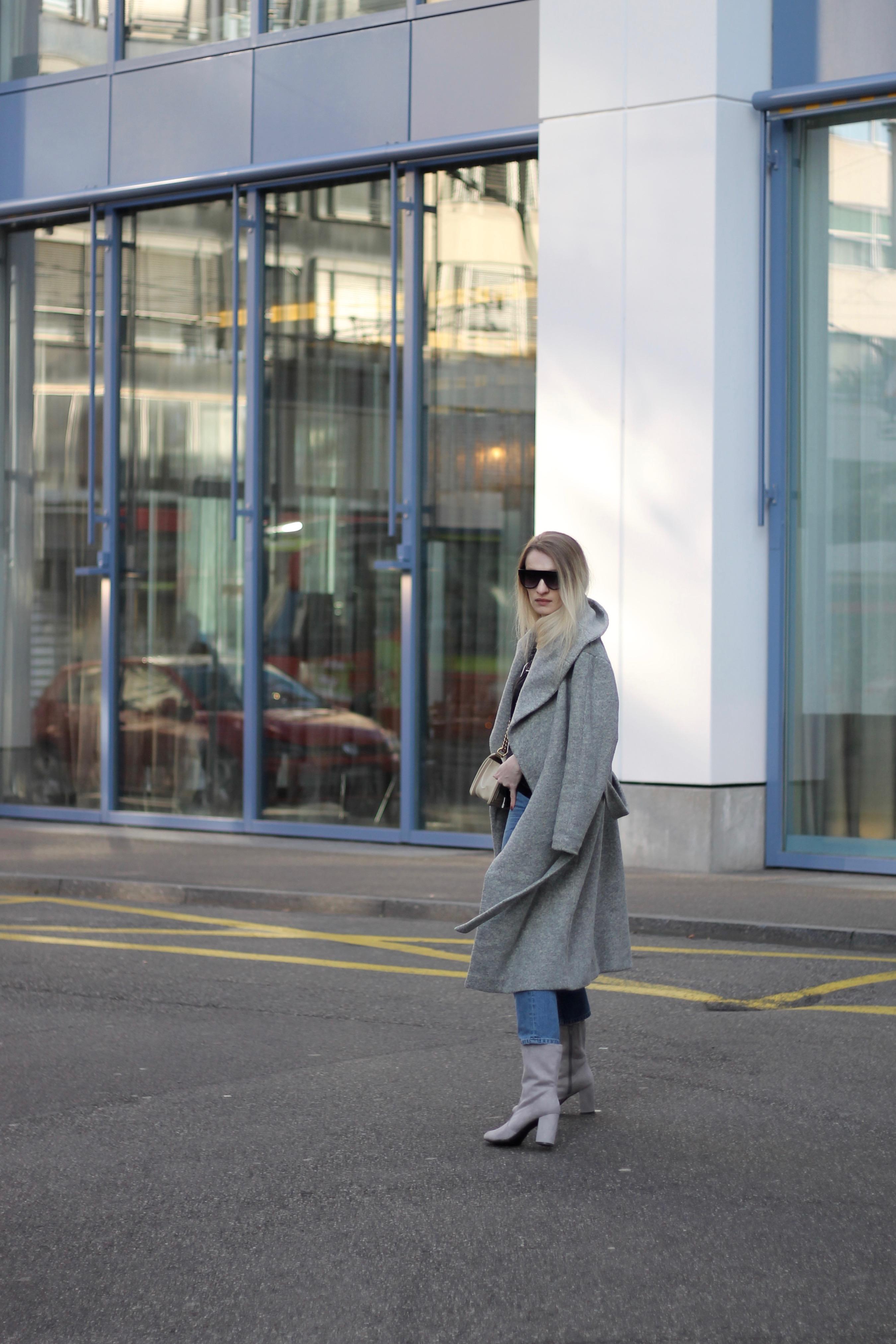 MON MODE   Fashion Blogger   Berlin Street Style   Fashion Trends   Berlin Fashion  PJ Bed Sheets   Chanel Boy