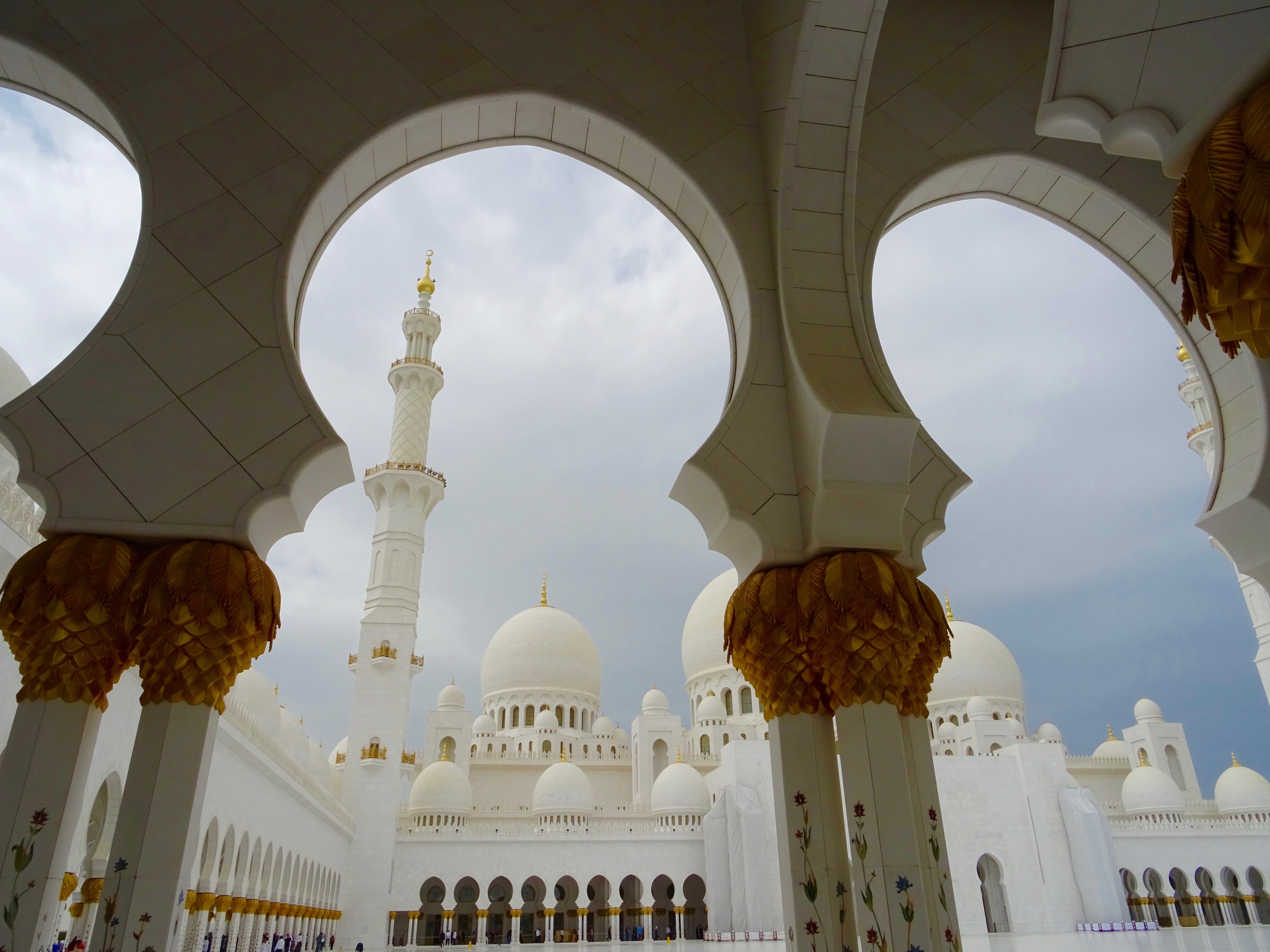 Mon_Mode Blog | Mon Mode | Fashion blog | Toronto Bloger | Travel Blog | Sheikh Zayed Mosque