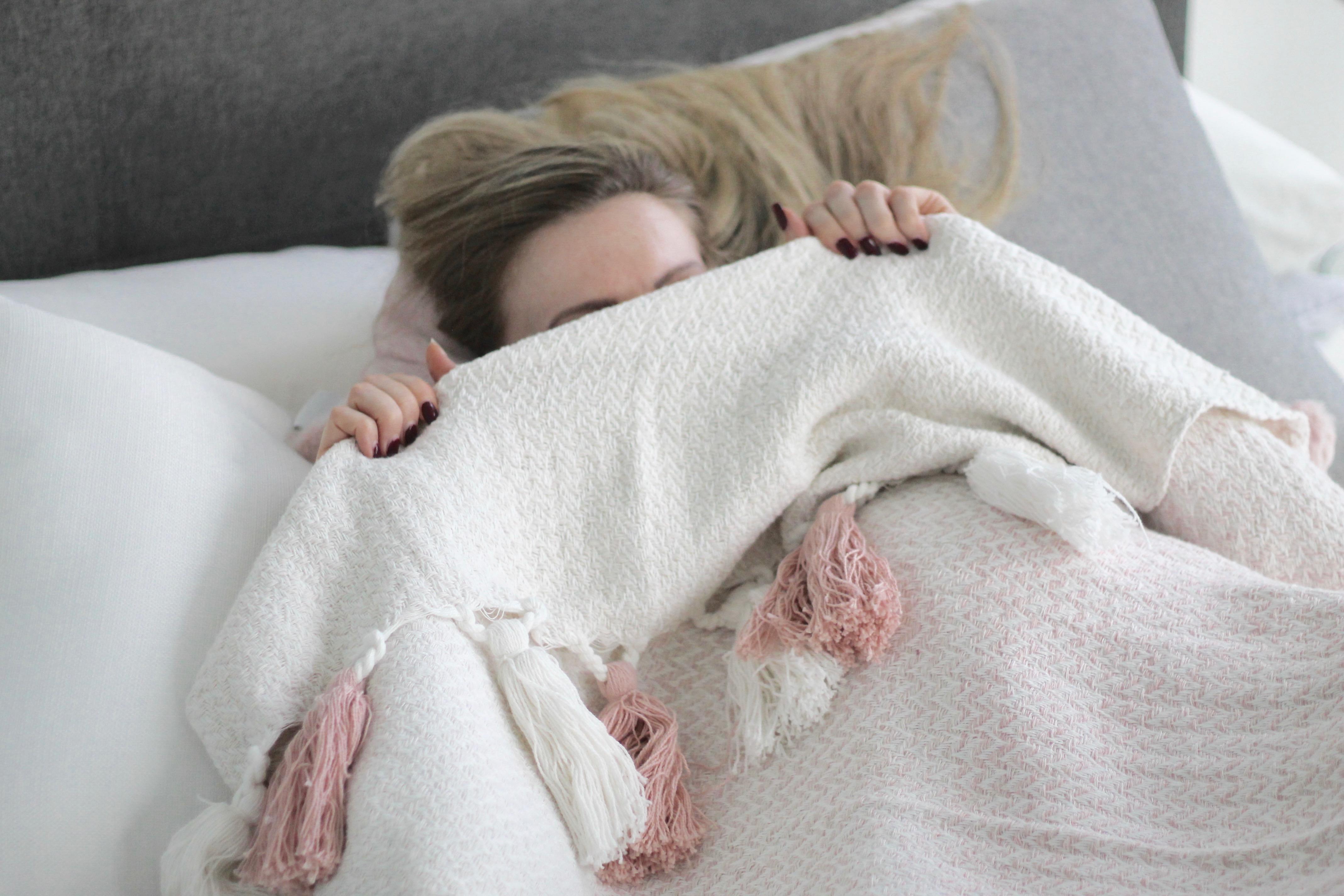 MON MODE | Travel Blogger | Mon Mode Blog | Toronto Blogger | Bedroom Design | Interior Design | Decor | Pinterest | Casper