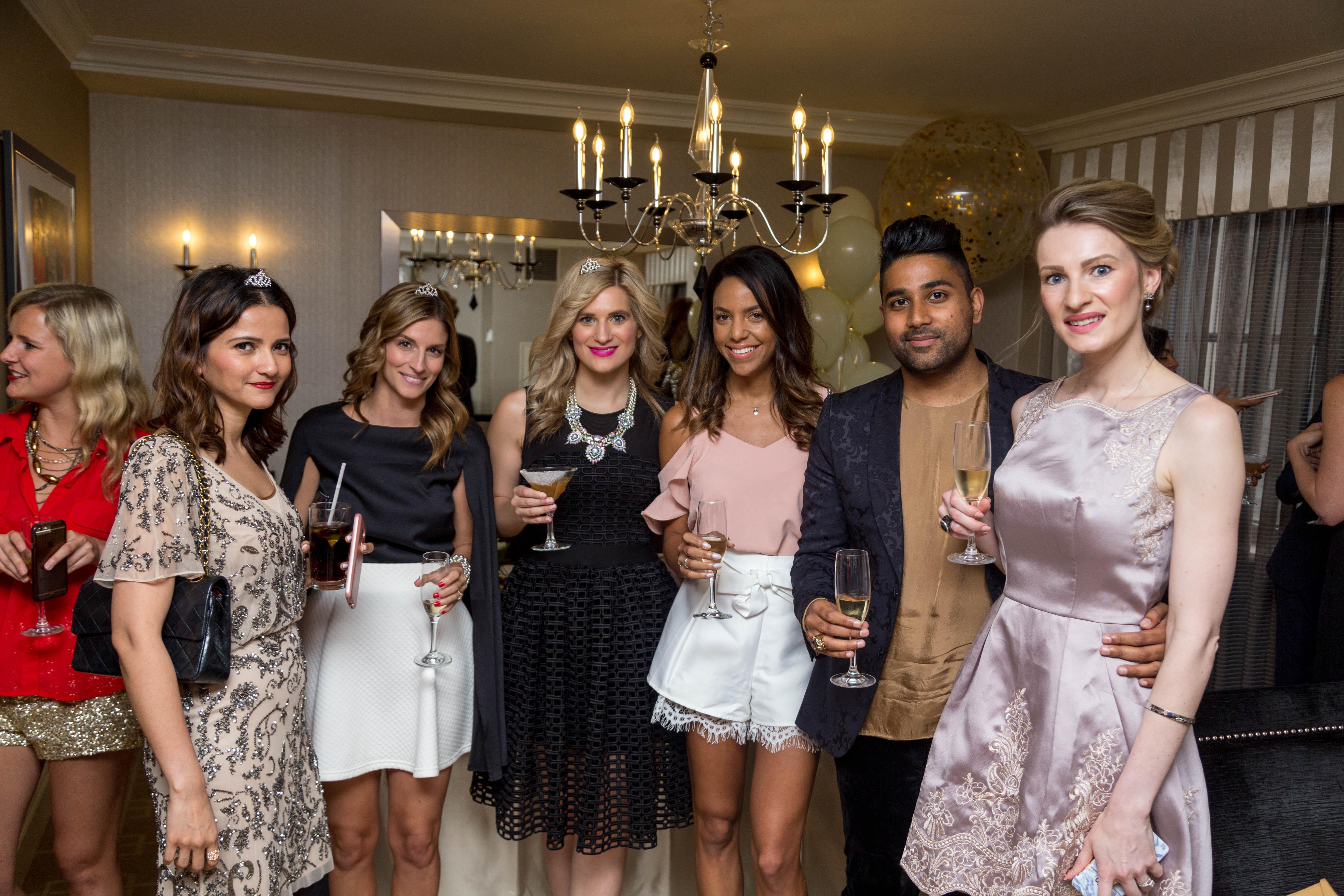 MON MODE   Fashion Blogger   Toronto Blogger   Fairmont Royal York   Bubbles