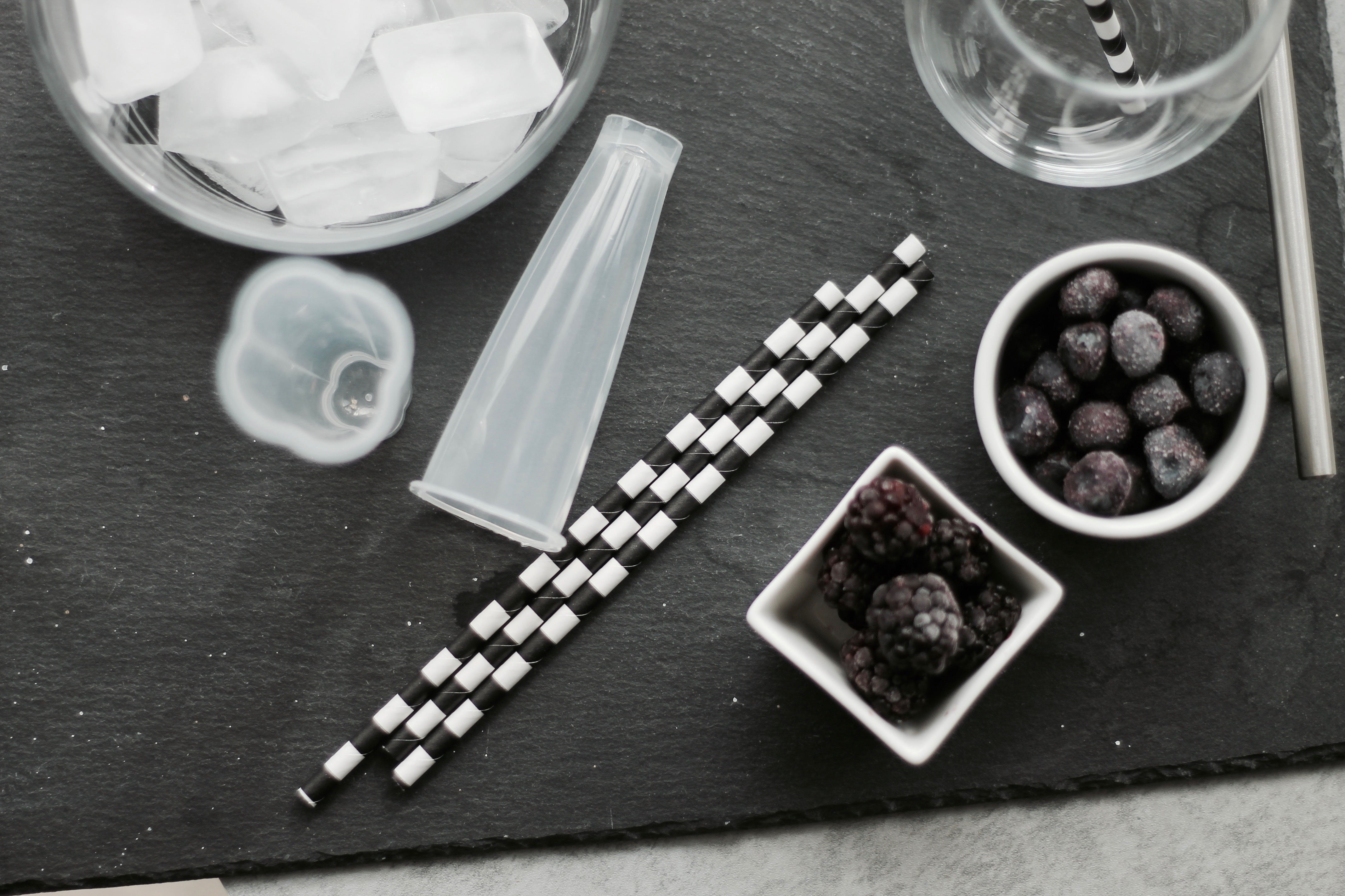 MON MODE Blog | Mon Mode | Fashion Blog | Toronto Blogger | Wine Cocktail | Raven Conspiracy | Wine Popsicle Cocktail