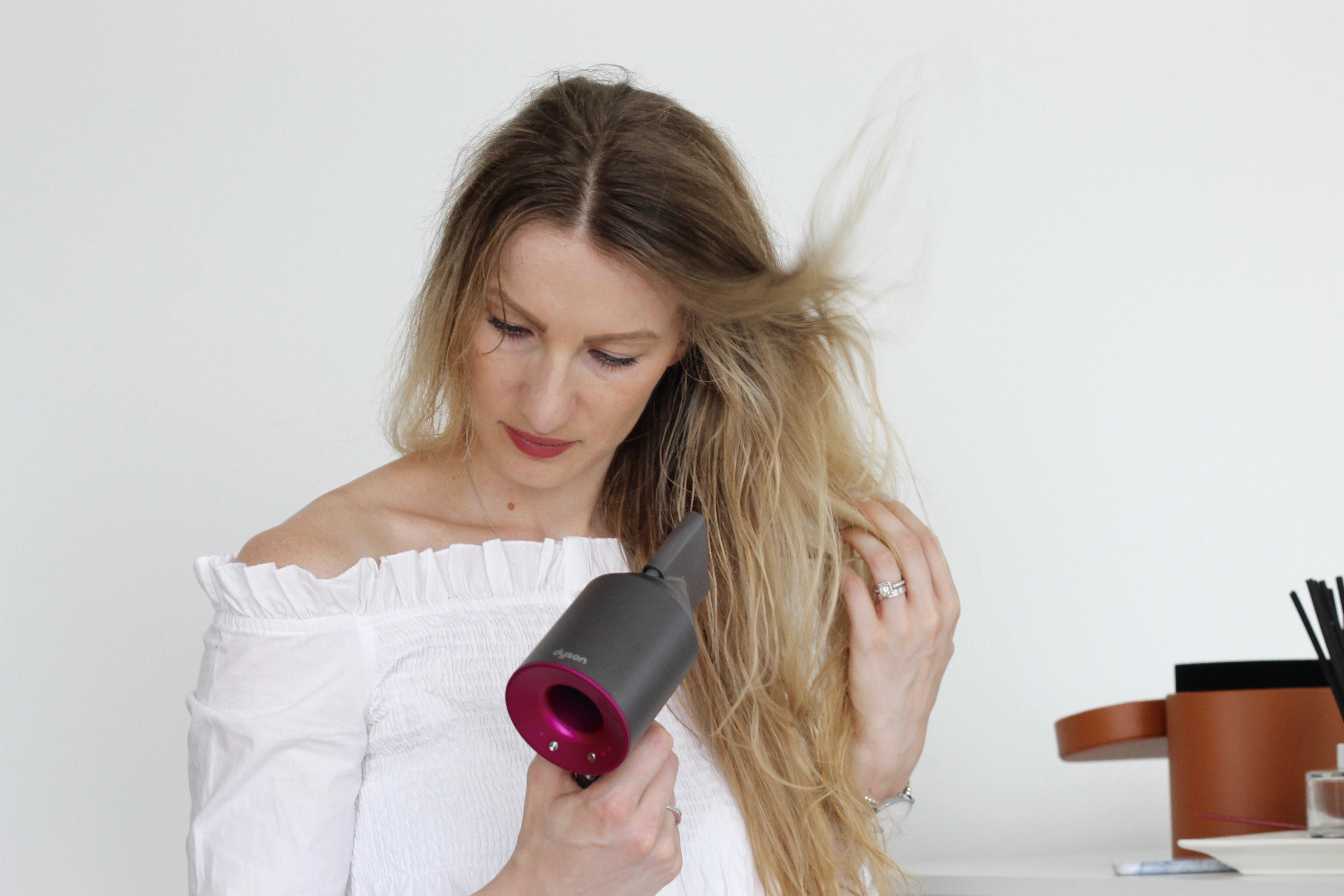 MON MODE Blog | Mon Mode | Fashion Blog | Toronto Blogger |Supersonic | Dyson Hair | Beach Waves