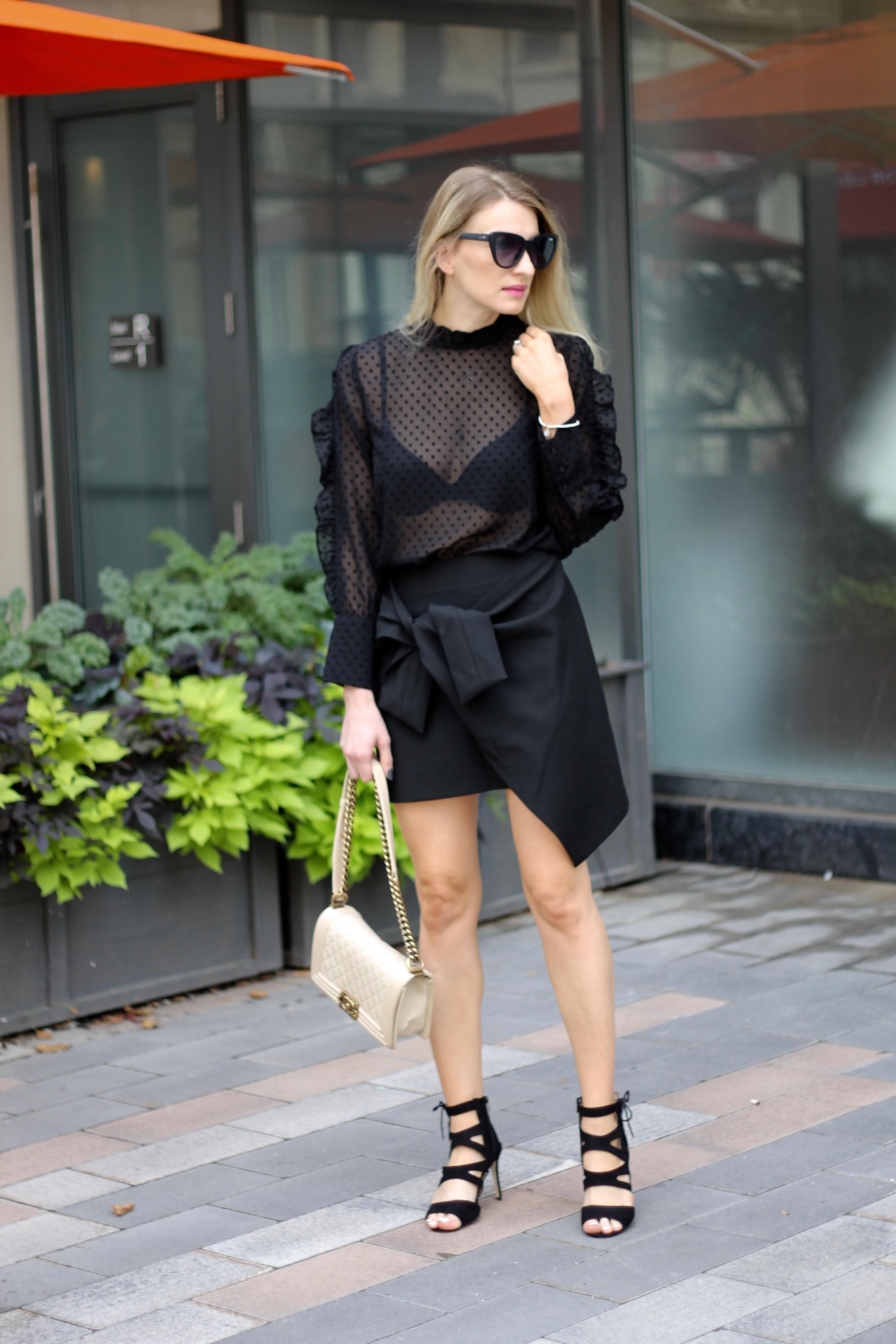 MON MODE | BLOGGER | Toronto Blogger | Fall Fashion | Ruffles and Bows