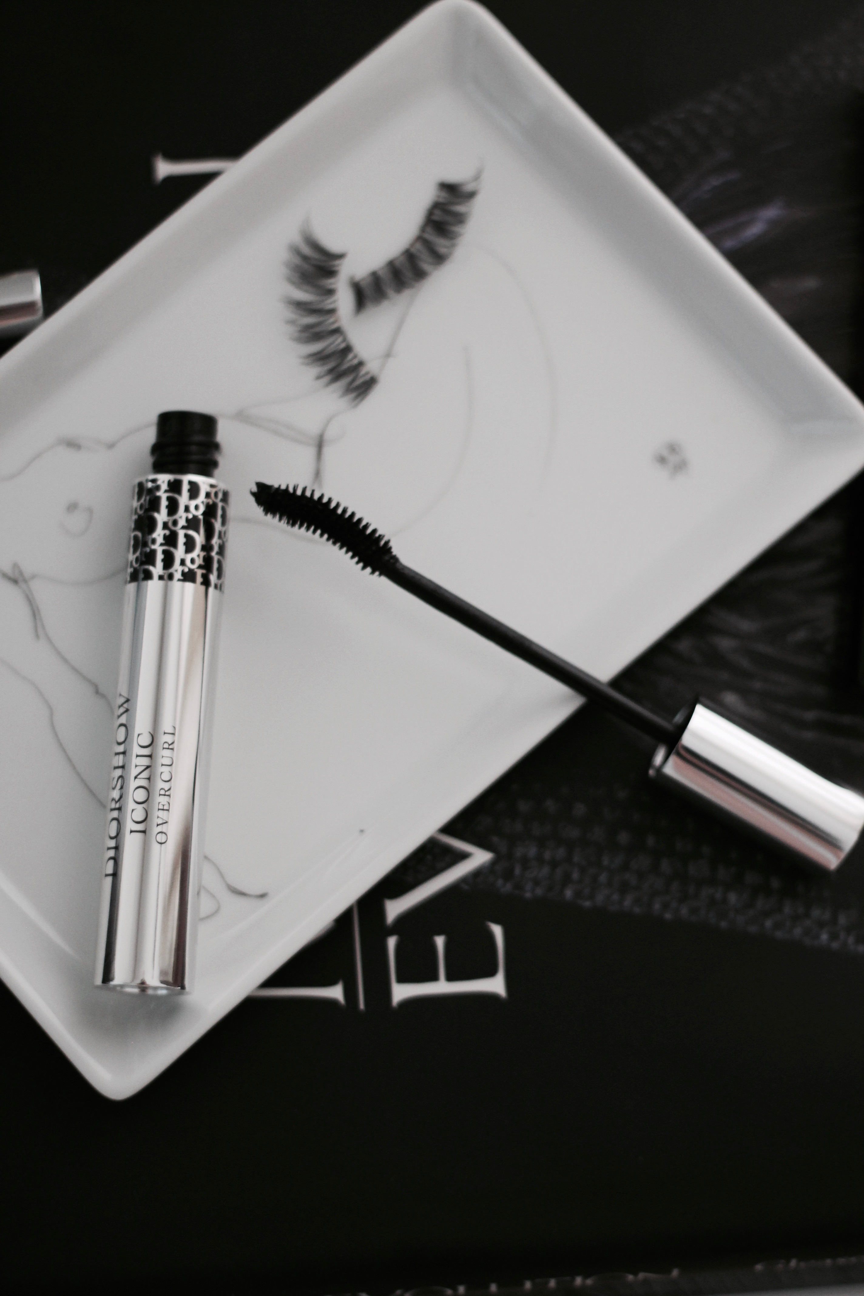 MON MODE | Fashion Blogger | Fashion Blog | Toronto Blogger | Metallic Makeup | Stila | Dior | Annabelle Cosmetics |