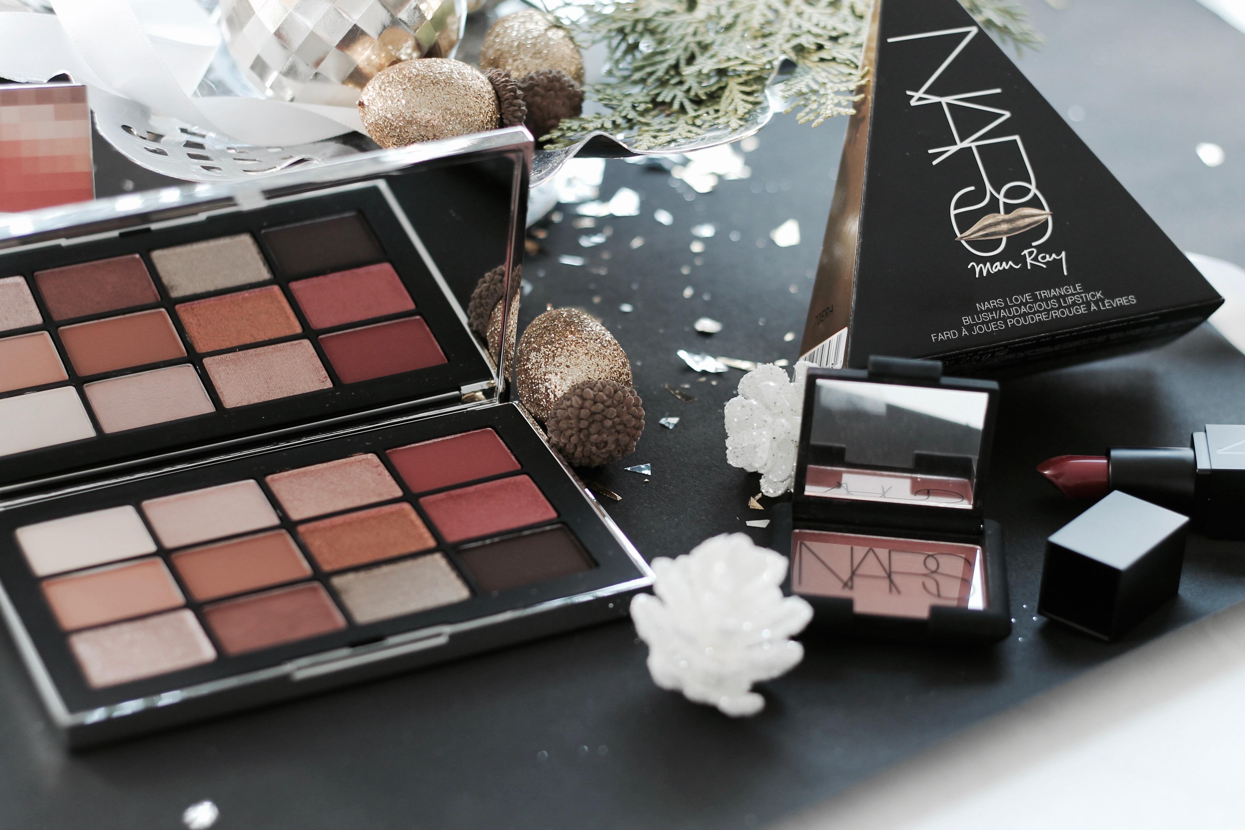 MON MODE Blog | Mon Mode | Fashion Blog | Toronto Blogger | Gift Guide Beauty Lover | Nars Wanted Palette